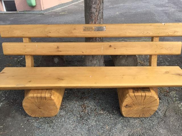 Neue Sitzbänke aufgestellt